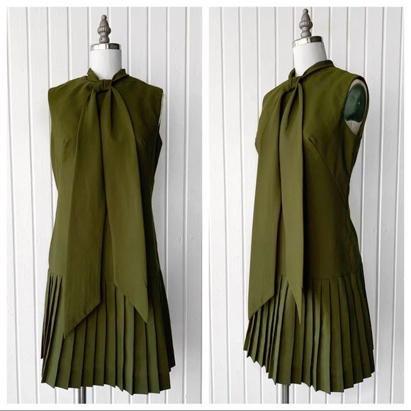 Vintage Dresses & Skirts - Vintage 1960s Green Pleated Sleeveless Dress